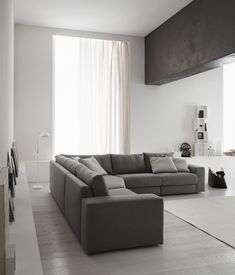 ©Varianti - Doimo Salotti - Slide - ambientazione Living Room Grey, Living Room Modern, Home Living Room, Living Spaces, Interior Design Lounge, Sweet Home, Condo Living, Bedroom Flooring, Minimalist Decor