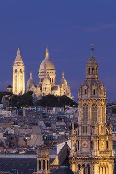 Montmartre Twilight Photograph by Brian Jannsen