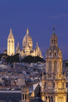 Montmartre Twilight Photograph by Brian Jannsen