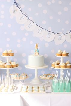 Peter Rabbit-inspired party perfect for baby shower, christening, child's birthday party or Easter! Think I may want my son's room done peter rabbit =) Idee Baby Shower, Shower Bebe, Boy Baby Shower Themes, Unique Baby Shower, Baby Boy Shower, Baby Showers, Peter Rabbit Party, Peter Rabbit Birthday, Book Birthday Parties
