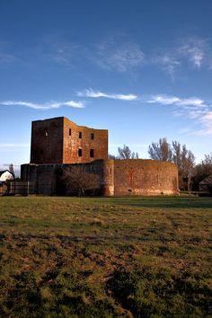 Slot Teylingen Voorhout, South Holland 52°13′52″N 4°31′09″E