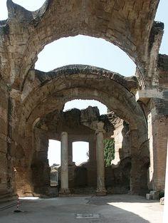 Hadrian's Villa, Tivoli, Italy Ancient Ruins, Ancient Art, Tivoli Italy, Places To Travel, Places To Visit, Romantic Italy, Beautiful Ruins, Roman Art, Largest Countries