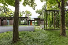 Image 4 of 39 from gallery of Woodland House / ALTUS Architecture + Design. Photograph by ALTUS Architecture + Design Nature Architecture, Residential Architecture, Architecture Design, Modern Glass House, Glass House Design, Minnesota Home, Minneapolis Minnesota, Woodland House, Woodland Garden