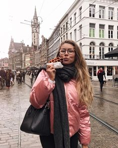 "29.3 mil Me gusta, 344 comentarios - Alex Centomo (@alexcentomo) en Instagram: ""Belgium wafflesAre you guys travelling anywhere soon?? If so, where?! """