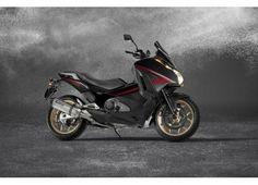 #Integra 750 è l'anti T-Max arriva in versione sport con scarico #Akrapovic....prezzo interessante>>>>> http://moto.infomotori.com/articolo/scooter/24225/honda-integra-750-sport-s/