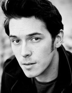 Sam Palladio aka Gunnar Scott on Nashville. Mmm his voice is so damn hot Pretty Men, Gorgeous Men, Beautiful People, Hello Gorgeous, Pretty People, Hot British Actors, British Men, Sam Palladio, Morganville Vampires