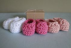 Pregnancy Reveal Baby Booties in a Box Baby Girl by HowCuteAreYou, $14.50