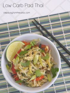 This low carb Pad Thai is made with zucchini noodles! Gluten free, vegetarian, dairy free, and keto friendly recipe. Low Carb Vegetarian Recipes, Vegetarian Entrees, Vegetarian Dish, Banting Recipes, Cooking Recipes, Paleo, Low Sugar Recipes, Asian Recipes, Asian Foods