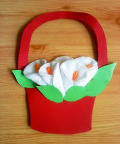 KÁLACSOKOR VATTAKORONGBÓL - webtanitoneni.lapunk.hu Spring Bulletin Boards, 8 Martie, Paper Crafts, Diy Crafts, Mom Day, Origami, Cards, Handmade, Profile