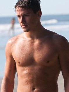 100 Hot Pictures of Birthday Boy Channing Tatum!: Channing Tatum and Alex Pettyfer went shirtless in Magic Mike. : Channing Tatum went shirtless in Dear John. Querido John, Channing Tatum Dear John, Channing Tatum Body, Magic Mike Channing Tatum, Chaning Tatum, Coach Carter, Don Jon, Michael Bay, Actrices Hollywood
