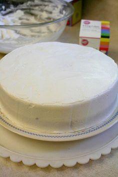 Super Fancy Cake Decorating Tutorial for Broke Monkeys
