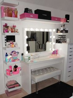 make-up room is a depiction of your individuality, this write-up will certainly . - make-up room is a depiction of your individuality, this write-up will certainly … Sie sind an der - Teen Bedroom Designs, Bedroom Decor For Teen Girls, Cute Bedroom Ideas, Cute Room Decor, Room Ideas Bedroom, Teen Room Decor, Modern Teen Bedrooms, Makeup Room Decor, Makeup Rooms