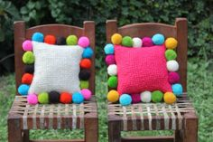 Amohadones argentinos tejidos en telar Productos | Salta Trading Creative Crafts, Diy And Crafts, Arts And Crafts, Pom Pom Crafts, Crochet Home Decor, Diy Pillows, Cushions, Handmade Home, Home Decor Inspiration