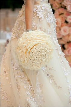Wedding ● Bouquet ● Cream