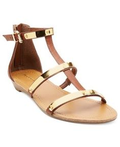 Greek goddess gold sandals - perfect to go w/that white dress I pinned!