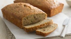 """Zucchini bread makes a hearty snack or breakfast food. zucchini bread is moist,tasty and full of flavor.zucchini bread is a snack that will make you feel """"wow """"below is the recipe on how to make Easy Zucchini Bread, Quick Bread, Healthy Zucchini, Betty Crocker Zucchini Bread Recipe, Zuchinni Bread, Zucchini Bars, Recipe Zucchini, Zucchini Lasagna, Zucchini Muffins"""