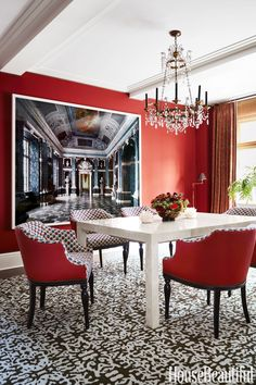 Dining Room: Table
