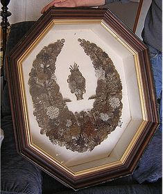 Victorian Hair Mourning Art Judy check this one out . Mourning Dress, Lovers Eyes, Post Mortem Photography, Victorian Hairstyles, Momento Mori, Mourning Jewelry, Hair Wreaths, Hair Art, Victorian Era