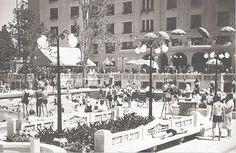 Bucuresti - Piscina hotelului Lido - interbelica Little Paris, Bucharest Romania, Old City, Photo Archive, Once Upon A Time, Old Photos, Times Square, Buildings, Photo Wall