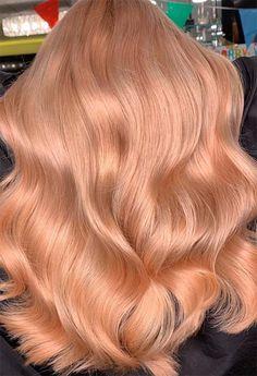 champagne blonde hair 63 Lush Strawberry Blonde Hair Color Ideas & Dye Tips Pastel Pink Hair, Hair Color Pink, Hair Color For Black Hair, Blonde Hair With Pink Tips, Light Hair Colors, Pink Peach Hair, Gold Blonde Hair, Blonde Color, Strawberry Blonde Hair Dye