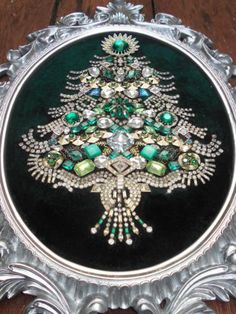 HUGE-Vintage-Rhinestone-Jewelry-Christmas-Tree-Framed-Art-18-x-13