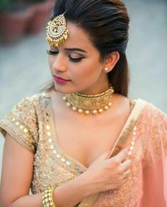 Jewellery is an essential part of a bride's look. Check out 21 real Indian brides flaunting their choker necklaces that they wore at their wedding day to get inspired from. Indian Wedding Makeup, Big Fat Indian Wedding, Wedding Makeup Looks, Indian Wedding Jewelry, Indian Jewelry, Bridal Necklace, Bridal Jewelry, Wedding Necklaces, Choker Necklaces