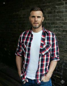 Gary Barlow - Those English men though. Robbie Williams Take That, Man Bars, Mark Owen, Gary Barlow, Mens Hair Trends, British Boys, English Men, David Tennant, Sexy Men