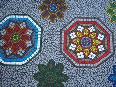 Mosaiktisch Sissy, Joyglas Mosaiksteine und Zubehör bei www.hobby-mosaik.de