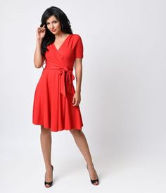 Charming, chic and comfortable? That's the Lombard for you, dear. A picturesque red dress rich in 1950s vintage appeal f...Price - $128.00-2Gyt50c8