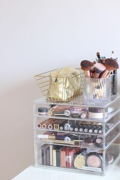 Jodie Melissa: My New And Improved Makeup Storage