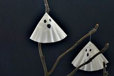 Super simple and super scary! Make these quick and easy ghosts to hang around the house. Find some fallen branches outside and make your own terror tree to show Trick or Treaters.