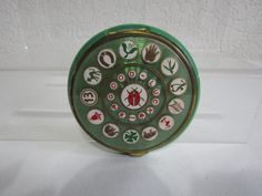 Unusual Vintage French Faux Guilloche Good Luck Powder Compact