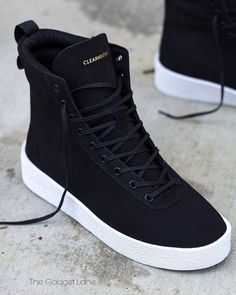 Casual Sneakers, Sneakers Fashion, Casual Shoes, Fashion Shoes, Sneakers Nike, Mens Fashion, Futuristic Shoes, Nike Shoes Air Force, White Nike Shoes