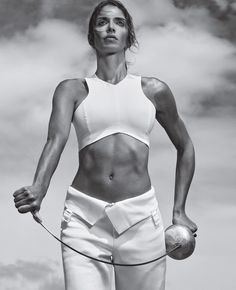 Best Bodies in the World 2015: Fencer Nathalie Moellhausen - SELF Core Moves