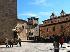 Ciudad monumental de Cáceres Bella, Cities, Spain, Street View, Community, Places To Visit, City, Communion