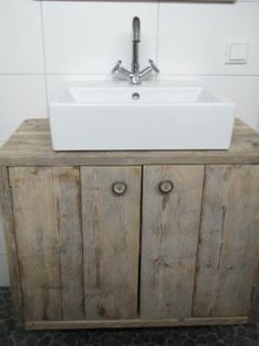 1000 images about badkamer on pinterest tes vanities and cabinets - Badkamer retro chic ...