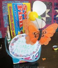 Teacher gift with magnet, Swedish Fish, fan, butterfly clip Appreciation Note, Swedish Fish, Clips, Sticky Notes, Teacher Gifts, Express Gratitude, Thankful, Printables, Teaching