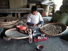 Dunpai fireworks factory workers produce the Artillery.