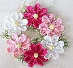 Crochet Brooch, Crochet Wool, Crochet Bracelet, Love Crochet, Crochet Motif, Diy Crochet Flowers, Crochet Flower Tutorial, Crochet Crafts, Crochet Projects