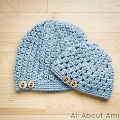 Mommy and Baby Matching Hats ~ Link to pattern on this website. Simple and cute! (free crochet pattern)