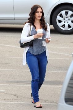 """Jessica Lowndes - Shenae Grimes and Jessica Lowndes Head to the Set of """"90210"""""""