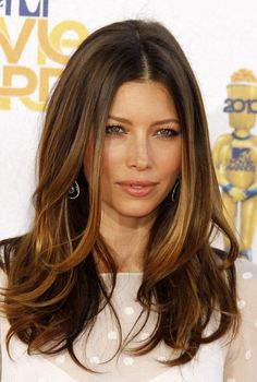 Jessica Biel Long Wavy Cut and LOVE the color.