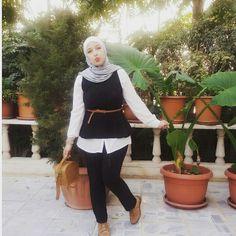 Cute look by :Lelyan Al-braisah. #hijab#black#white#brown#sliver#fashion.