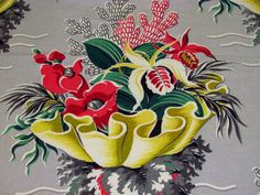 awesome design!  vintage fabric clamshell and poppies