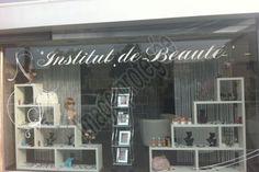 """Résultat de recherche d'images pour """"décoration vitrine institut de beauté"""""""