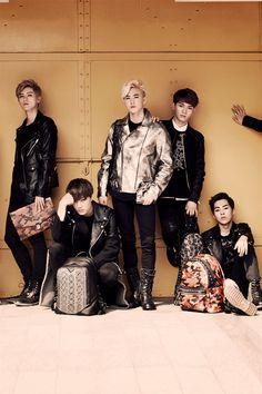 EXO x MCM- Luhan, Kai, Suho, Chen, Xiumin, Baekhyun's hand on the right