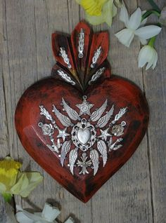 Mexican Crafts, Mexican Folk Art, Sacred Heart, Cupid, Amy, Angels, Wings, Arts And Crafts, Hearts