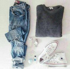 grey sweater. boyfriend jeans. leopard flats.