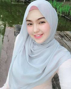 Beautiful Hijab Girl With Cute Cheeks - Setahunbaru Beautiful Hijab Girl, Beautiful Muslim Women, Beautiful Lips, Hijabi Girl, Girl Hijab, Moslem, Muslim Beauty, Beauty Full Girl, Hijab Chic