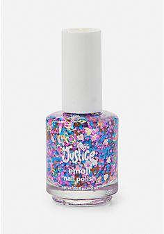 Shop Justice for pretty girls' nail polish, fun nail art & cute press on nails. Our nail polish sets are just one of the ways she can show off her personal style! Nail Art For Girls, Nails For Kids, Girls Nails, Cute Nail Polish, Nail Polish Sets, Nail Polish For Kids, Makeup Kit For Kids, Kids Makeup, Unicorn Makeup